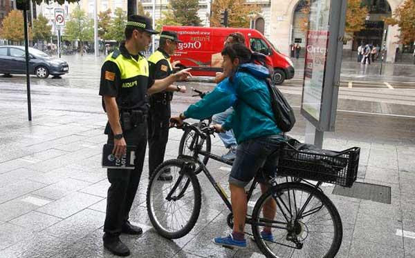 ¿Es obligatorio el casco en bicicleta?