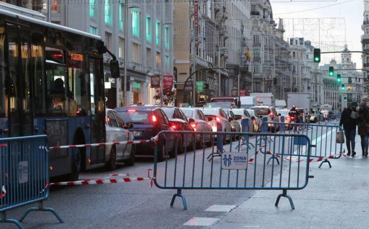 La Gran Vía de Madrid se queda con un carril por sentido