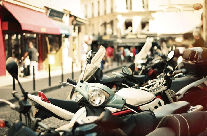 Las dos ruedas toman las calles