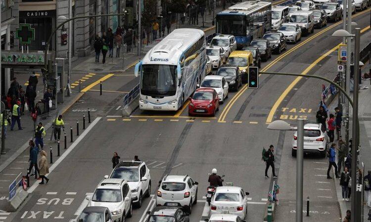 Madrid prohibirá el acceso en el centro a los coches sin etiqueta en noviembre