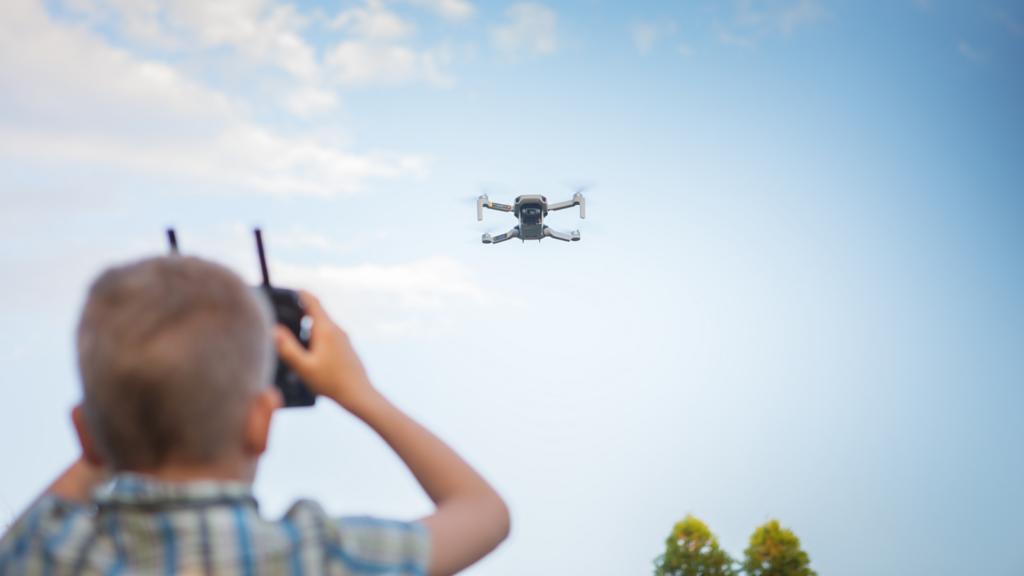 Todo sobre los drones de la DGT: Cómo multan, dónde están, …